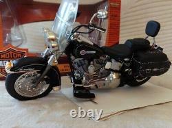 Harley Davidson Heritage Softail Classic 2004 1/10 Ertl
