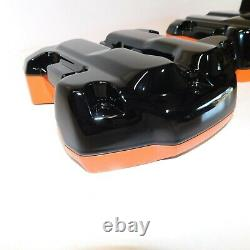 Harley Rocker Housses Boîtes Touring M8 Softail Miroir Noir / HD Orange/Rouge