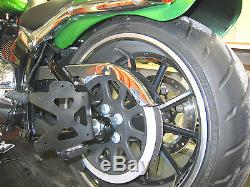 Support de plaque latéral Harley-Davidson Softail FXBR Breakout / 2013-2017